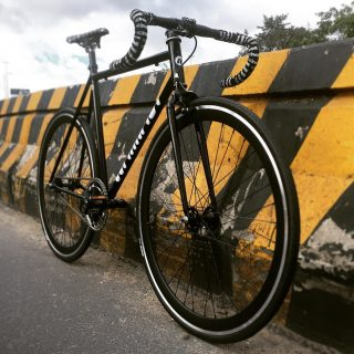 Componentes especializados para tu bici urbana o fixie los encuentras en 👉/ www.marmot-store.com 👈 Descubre el mundo fixie #cinellicolombia #bike #roadcycling #bicicleta #ciclismo #cyclist #runner #bikelife #bikeride #pedallivrefotos #smile #instacute #vintagebikes #fixie #fixieporn #bike #cinelliusa #cinelli #cinellimash #somabikes #bicifixie #fixielife #fixedgearbogota #fixedgearworld #biciruta #smile #sturmeyarcher